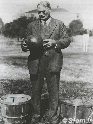 دکتر جیمز نای اسمیت مخترع ورزش بسکتبال